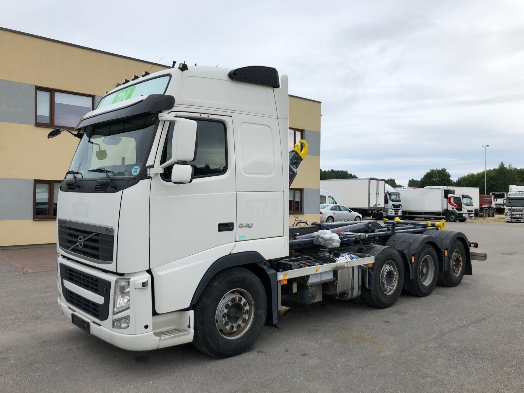 Volvo FH540 8x2 EURO5+ SUCCI HOOKLIFT 2020 YEAR MODEL