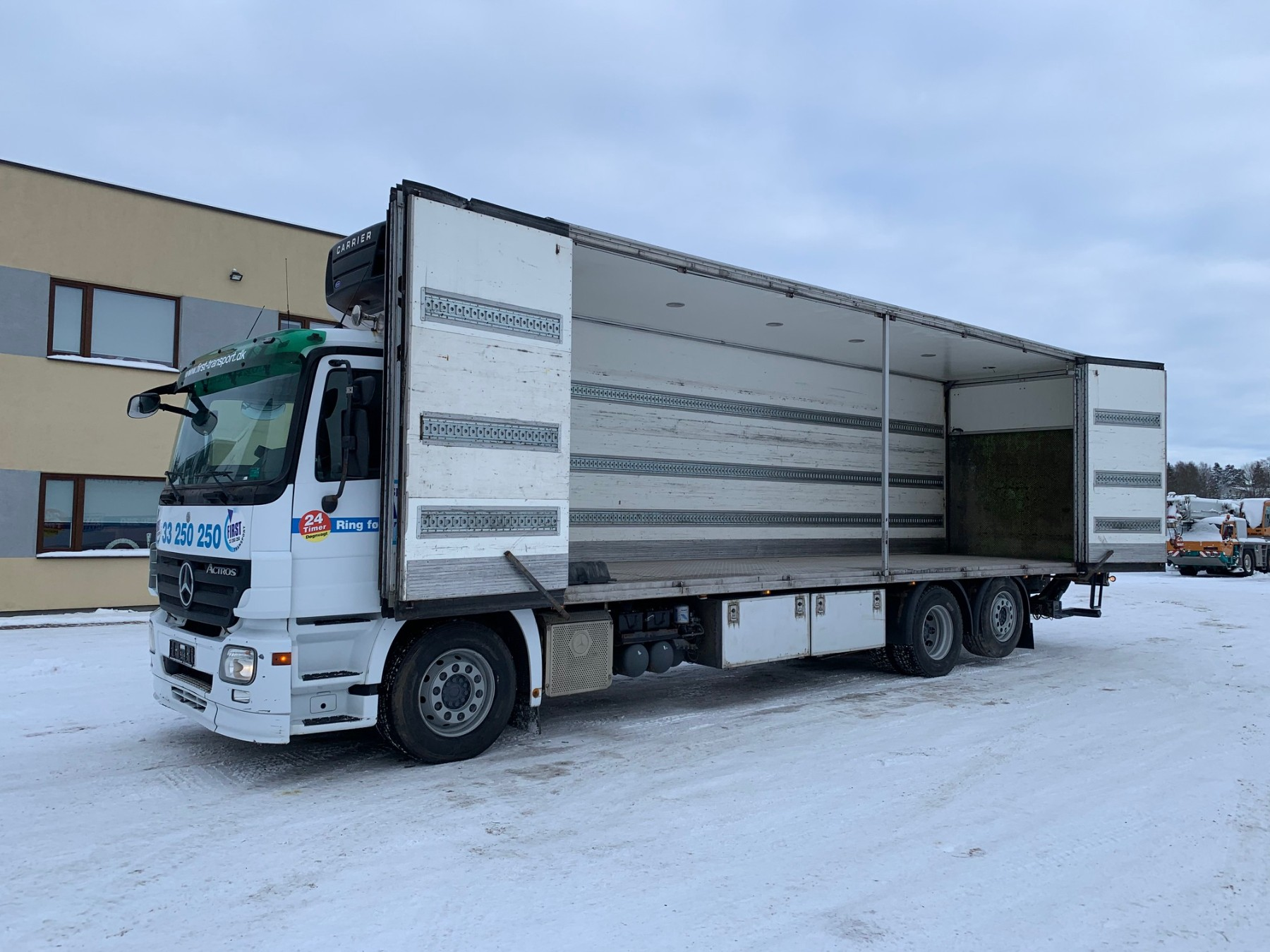 Mercedes-Benz Actros 2532 6x2+SIDE OPENING